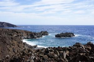 An dieser Bucht endet der steinumsäumte Wegx