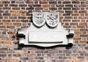 Wappen Polens und Pommerns am Stadttor von Cammin